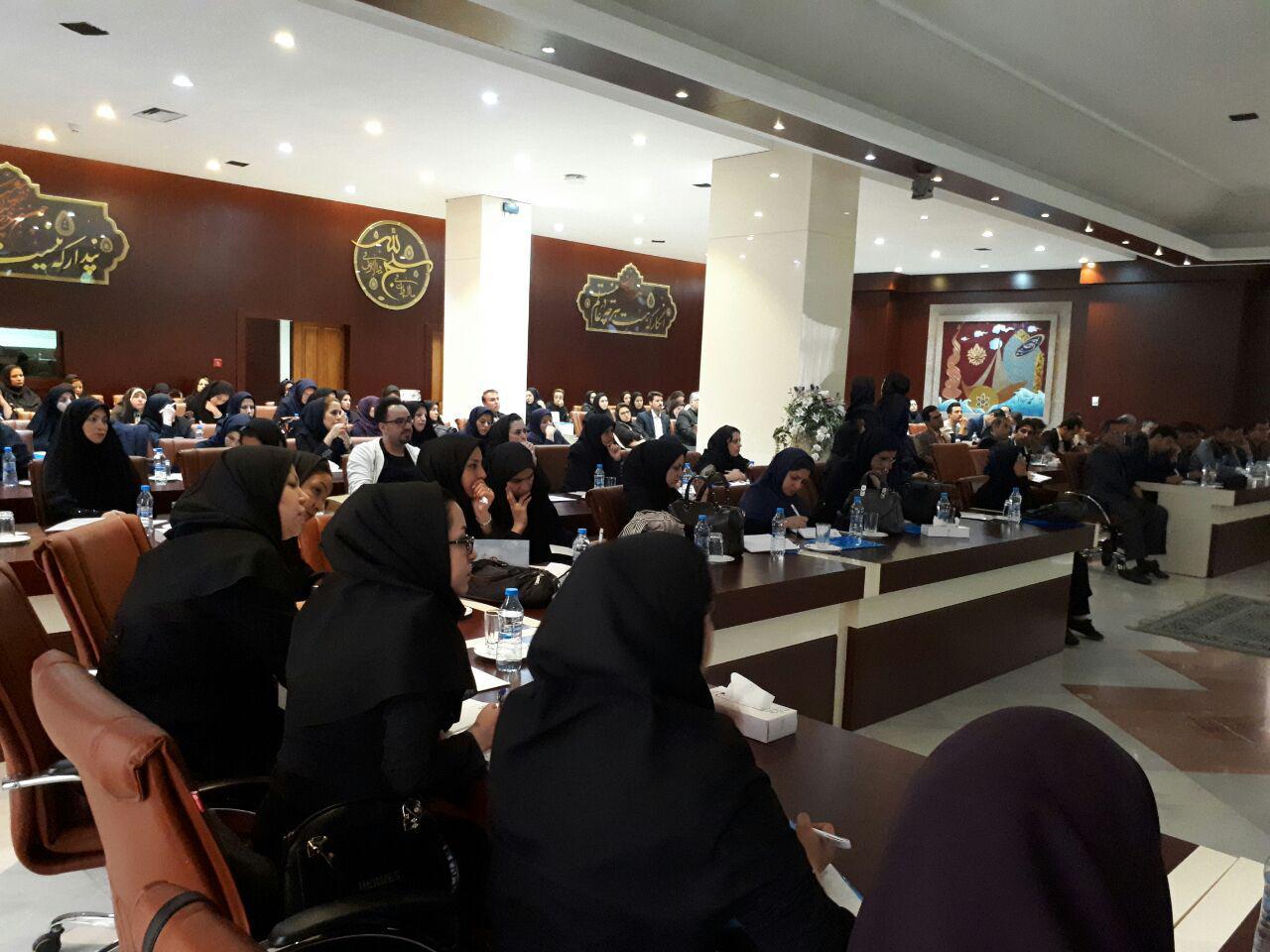 برگزاری سمینار آموزش پرستاری دستگاه های دیالیز  4008s Classic فرزنیوس در مشهد 13