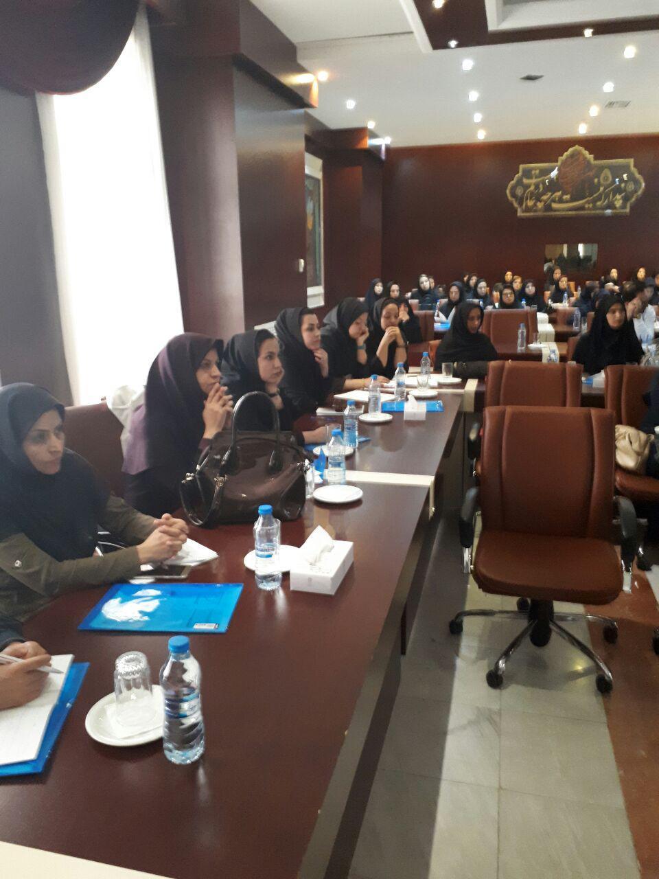 برگزاری سمینار آموزش پرستاری دستگاه های دیالیز  4008s Classic فرزنیوس در مشهد 14