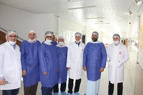گزارش تصویری بازدید امام جمعه محترم هتشگرد هئیت همراه از شرکت تجهیزات پزشکی هلال ایران 2