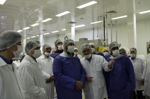 گزارش تصویری بازدید امام جمعه محترم هتشگرد هئیت همراه از شرکت تجهیزات پزشکی هلال ایران 3