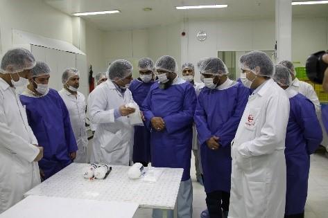 گزارش تصویری بازدید امام جمعه محترم هتشگرد هئیت همراه از شرکت تجهیزات پزشکی هلال ایران 4