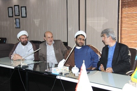 گزارش تصویری بازدید امام جمعه محترم هتشگرد هئیت همراه از شرکت تجهیزات پزشکی هلال ایران 5