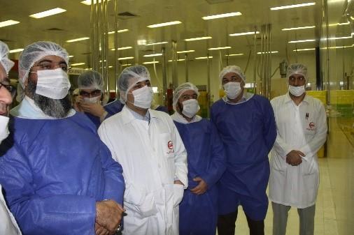 گزارش تصویری بازدید امام جمعه محترم هتشگرد هئیت همراه از شرکت تجهیزات پزشکی هلال ایران 6