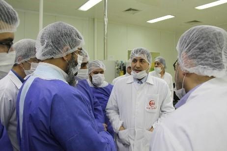 گزارش تصویری بازدید امام جمعه محترم هتشگرد هئیت همراه از شرکت تجهیزات پزشکی هلال ایران 7